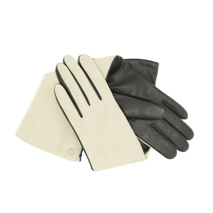 Usta, kokardki i lamówki – zimowe rękawiczki